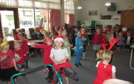 Aged Care Christmas festivities with the local pre-school